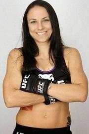 nina-ansaroff-estreou-no-ufc-lutando-em-uberlandia-e-perdeu-por-pontos-para-juliana-lima-1432205543907_450x500